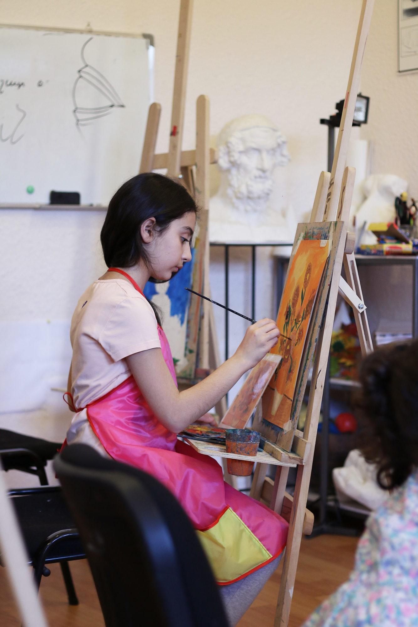 «Դանիելյան» արվեստի կենտրոնի թղթակցի անդրադարձը՝ Էլինարի ստեղծագործական առօրյային
