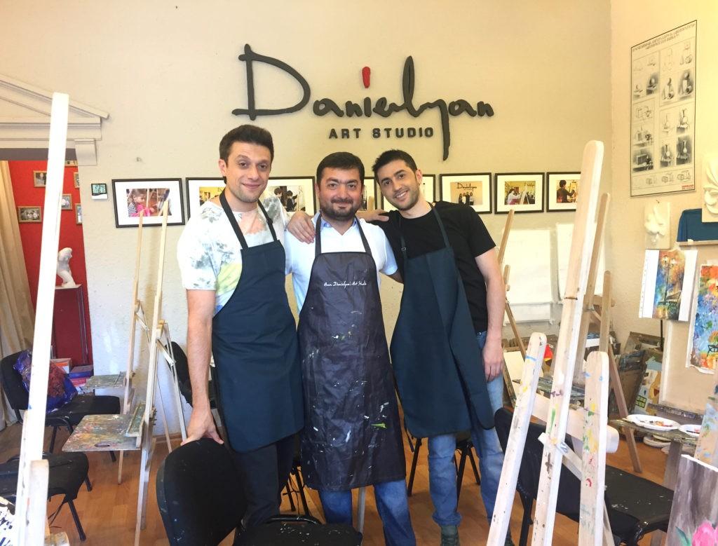 Այսօր «Դանիելյան» արվեստի կենտրոնի հյուրերն էին Գարիկ Պապոյանը և Արամ mp3-ն